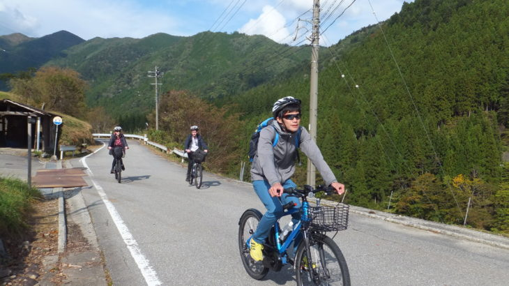 """Maze village, """"E-bike tour is now booming here!"""""""